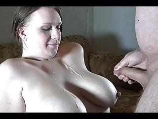 Helga bekommt Sperma auf ihre Titten